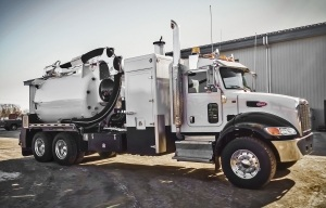Foremost 1000 Vac Truck