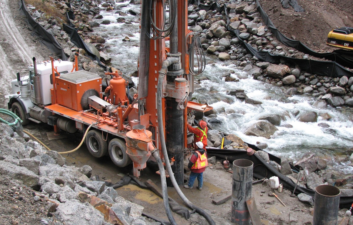 DR-24   Dual Rotary Drilling Rig